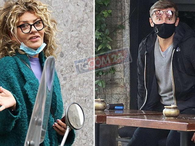 """Prima del """"coprifuoco"""", Eva Grimaldi paparazzata al bar e Max Biaggi in osteria"""