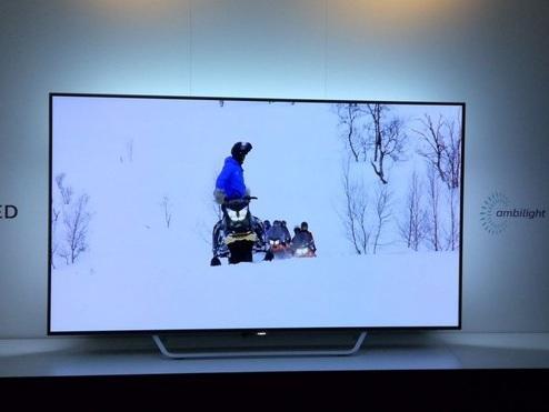 Philips, i prezzi europei della gamma TV OLED e LCD con Ambilight