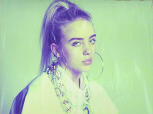 Billie Eilish lancia un appello ai suoi fan