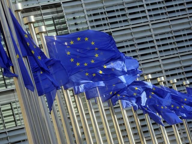 """""""L'Ue non rovescia i governi"""". Ma juncker si prepara già a bocciare Conte & Co"""