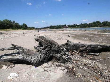 Caldo e assenza di piogge: i livelli idrometrici del fiume Po sotto la media stagionale [DATI]