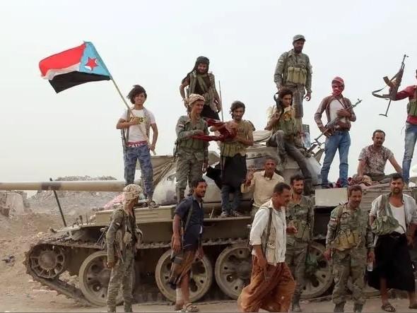 Yemen sempre più nel caos: i separatisti del sud si impadroniscono di Aden e i sauditi li attaccano