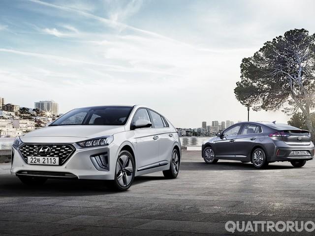 Hyundai Ioniq - Ibrida e Plug-in si aggiornano
