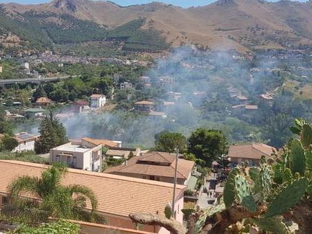 Esplodono bombole in capannone a Palermo