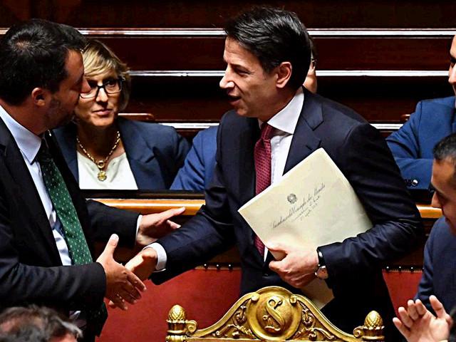 """Conte: """"Salvini ha compromesso interessi nazionali per i suoi. Su piazze e poteri la sua concezione mi preoccupa"""""""