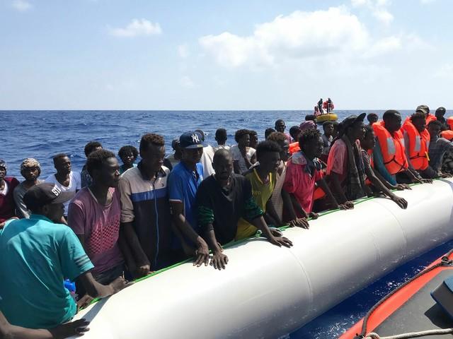 Patto di Malta, Ong brindano: così ci riempiranno di migranti