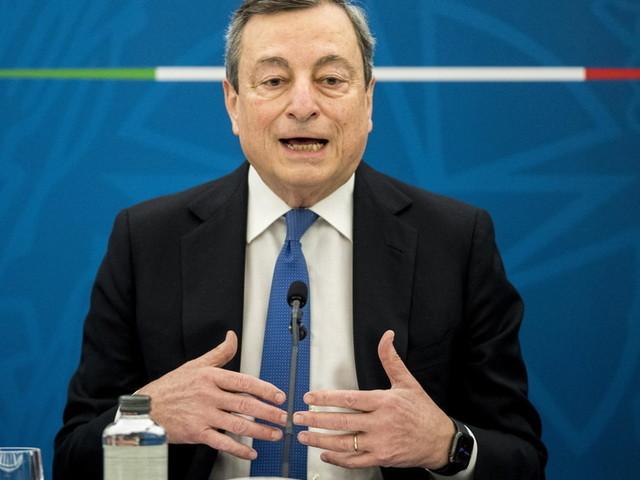 """Covid, Draghi: """"Guardiamo al futuro con prudente ottimismo. La campagna vaccinale procede bene"""""""