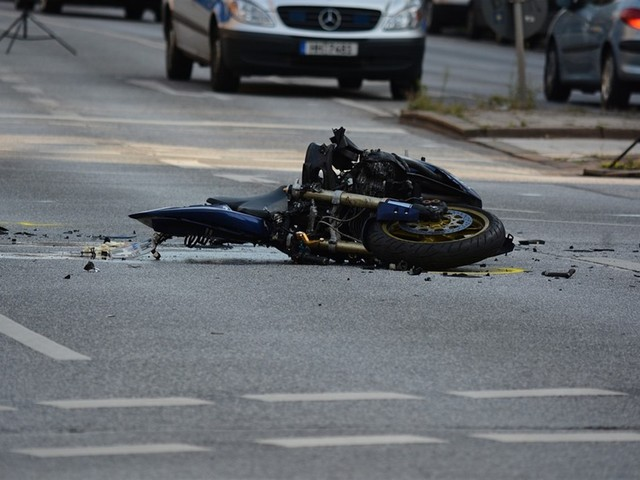 Incidente mortale sulla A1: perde la vita un motociclista