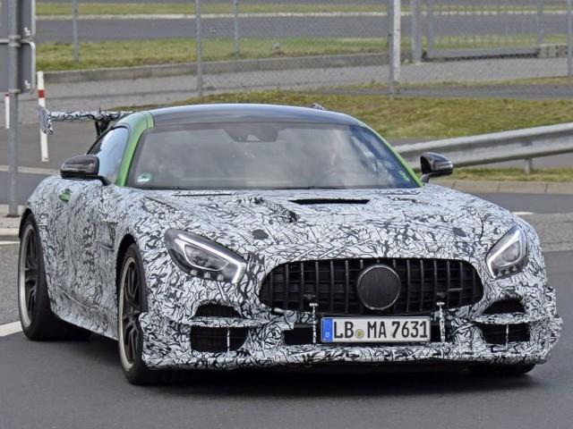 Mercedes-Benz: foto spia dei prototipi della AMG GT R Black Series