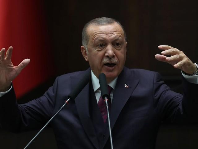 Erdogan attacca la UEFA per l'inchiesta sui saluti militari turchi