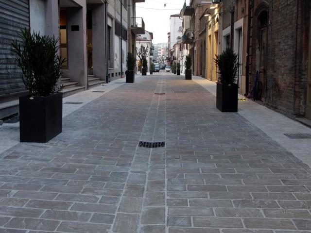 Civitanova, lavori di riqualificazione nel borgo marinaro: nuova pavimentazione in pietra