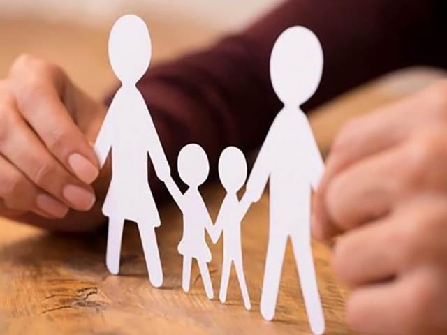 Bonus figli a carico, allo studio piano del Governo: assegni familiari fino a 26 anni