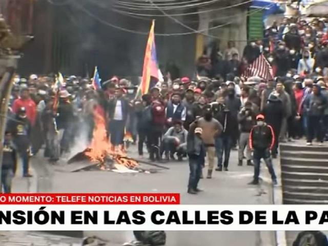 """Bolivia, scontri tra pro-Morales e polizia: 8 morti/ 75 feriti: """"Stop al massacro"""""""