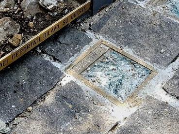 """Milano, vandalizzato il Monumento al deportato. Anpi: """"Ennesima provocazione neofascista"""""""