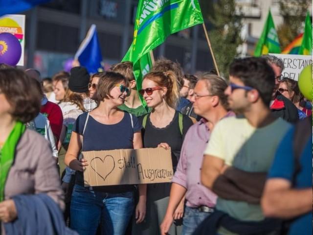 Un'Europa più Verde resiste alla neodestra. L'Italia è più nera, senza verde e rosso
