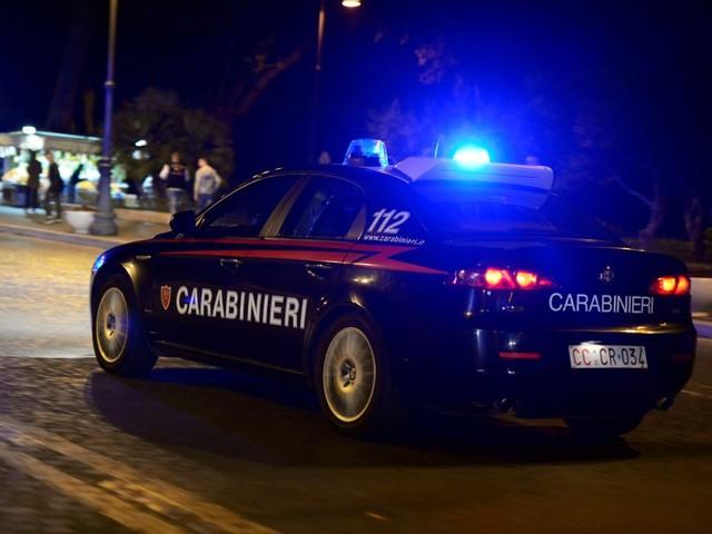 Roma, carabinieri arrestano banda specializzata nei furti di valigie