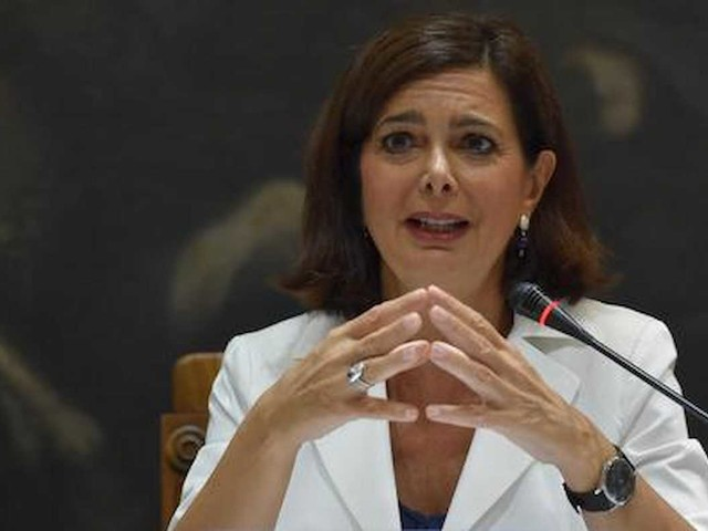 """Laura Boldrini è malata: """"Devo operarmi, ho un po' paura. Sarò lontana dalla politica"""""""