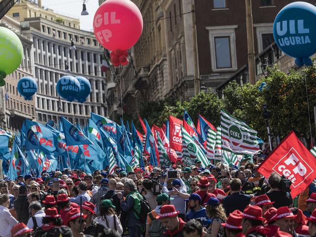 Manifestazione di Cgil, Cisl, Uil a Roma il 10 dicembre