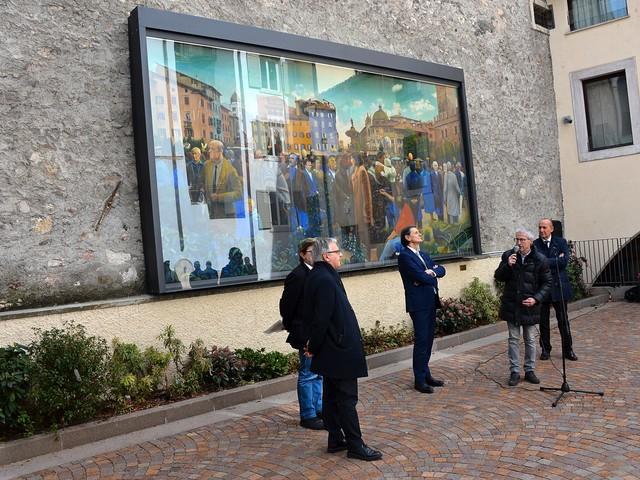 Il grande dipinto di Perghem Gelmi ha una nuova collocazione ed è protetto con un vetro