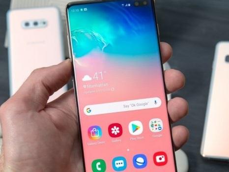 Lunedì di fuoco per la beta di Android 10 sui Samsung Galaxy S10: arriva un tweet ufficiale