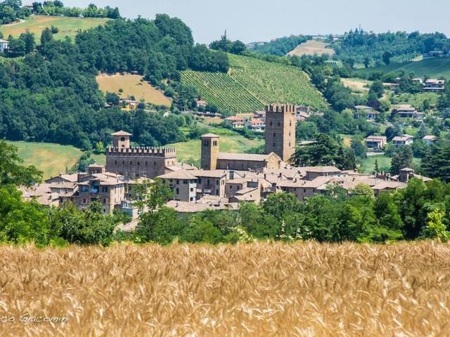 A Piacenza si viaggia tra vini e castelli
