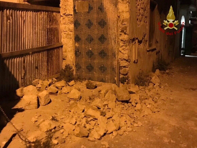 Terremoto di Ischia: morta una donna Distrutta una chiesa, crolli. Feriti e dispersi. Scossa di magnitudo 3,6 alle 20,57