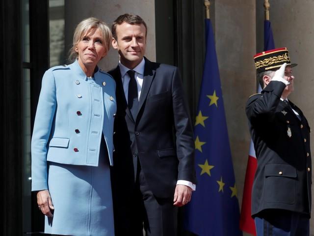 Se i Macron spendono 5200 euro al mese dal parrucchiere