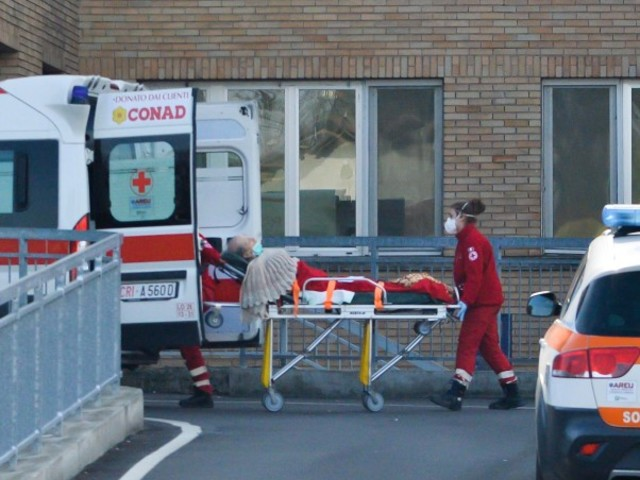 Coronavirus, primi 6 casi di contagio in Italia Un 38enne in terapia intensiva, positiva la moglie incinta Tre paesi del Lodigiano isolati e in quarantena