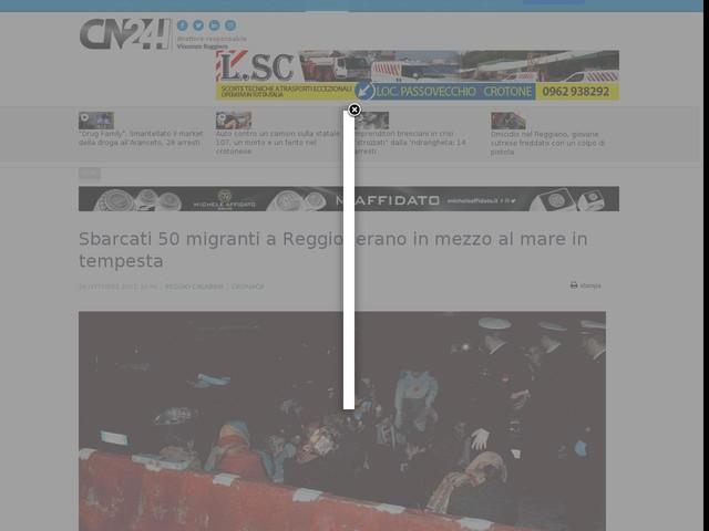 Sbarcati 50 migranti a Reggio: erano in mezzo al mare in tempesta