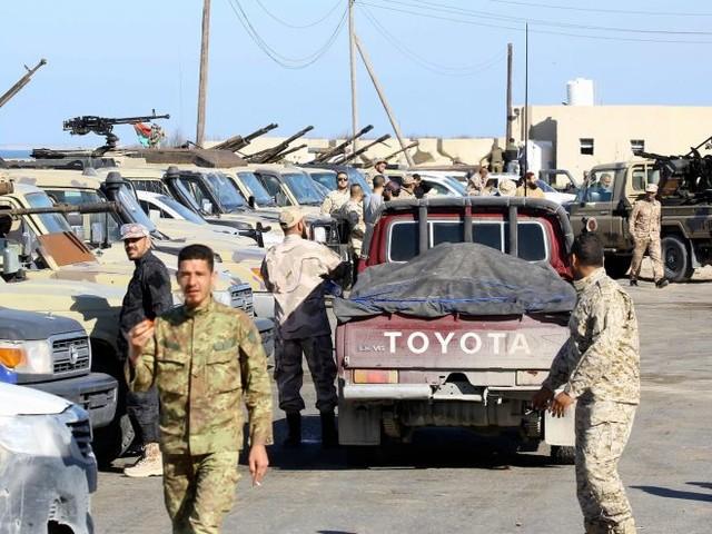 Haftar si avvicina agli italiani: piovono le bombe su Misurata