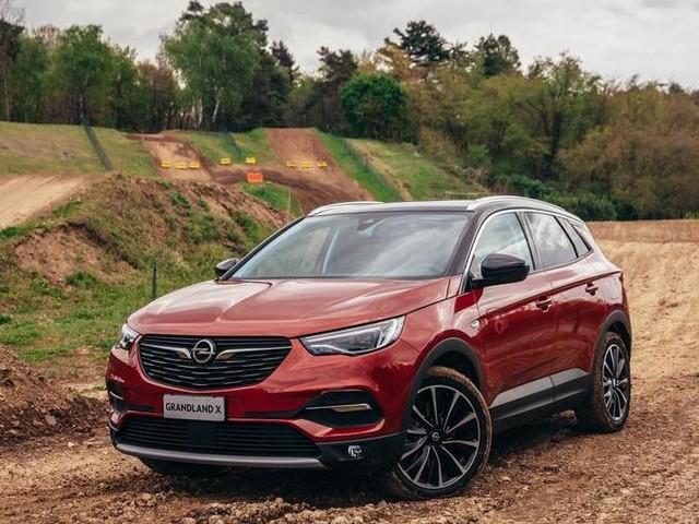 Opel Grandland X, la prova – L'ibrido per arrampicarsi fuori strada