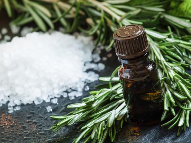 Pancia gonfia, la pianta detox che aiuta a contrastarla