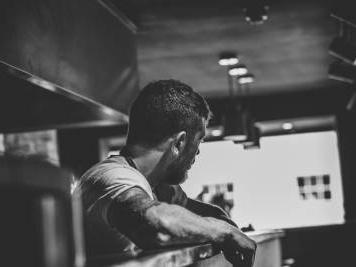 """L'arte della cucina ne """"Il Cane"""" di Akiz"""