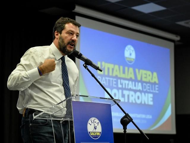 """Salvini prepara la """"battaglia della vita"""" in Umbria"""