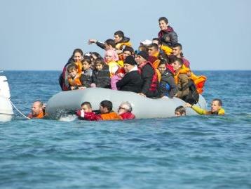 Migranti, cosa prevede il decreto rimpatri