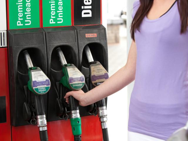 Come fare benzina al self service con il bancomat