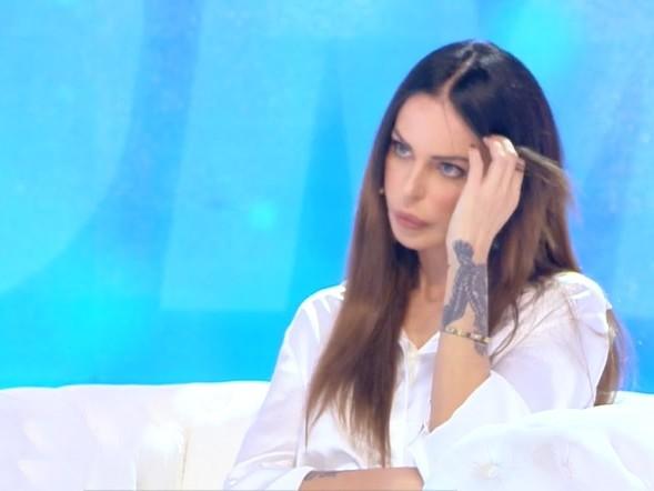 """La sorella di Favoloso contro Nina Moric: """"Che schifo. Mio fratello non è un orco!"""""""