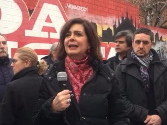 """Milano, Boldrini davanti al murale dei partigiani: """"Sciogliere i movimenti fascisti"""""""