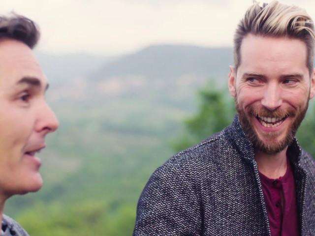 Nolan North e Troy Baker giocano con The Last Of Us, stupisce la reazione al prologo