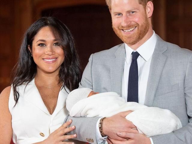 Meghan Markle, vacanze in Sicilia con il principe Harry e il piccolo Archie