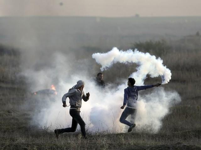 Scontri in Cisgiordania e a Gaza: 4 morti e centinaia di feriti