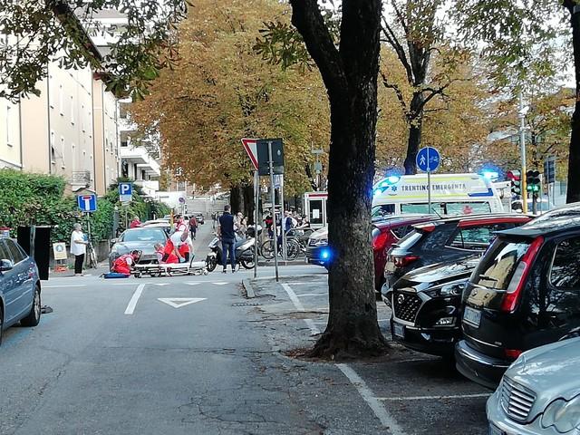 Scontro tra auto e scooter Un ferito in via Milano