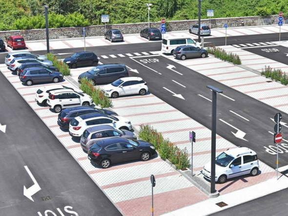 Ventimiglia: riunione di maggioranza sul futuro dei parcheggi, l'idea di navette elettriche di collegamento
