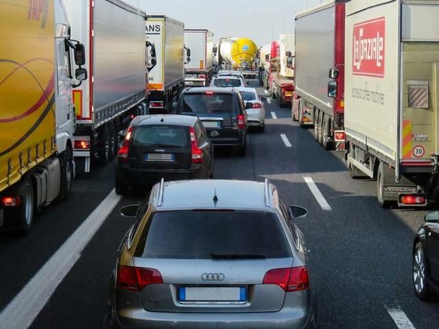 Traffico in autostrada, 4 settembre: code per incidente sulla A1 BO/FI