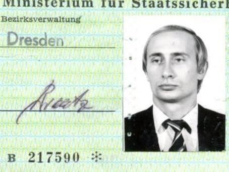 Putin lavorava anche per la Stasi, gli spietati servizi segreti della Germania dell'Est