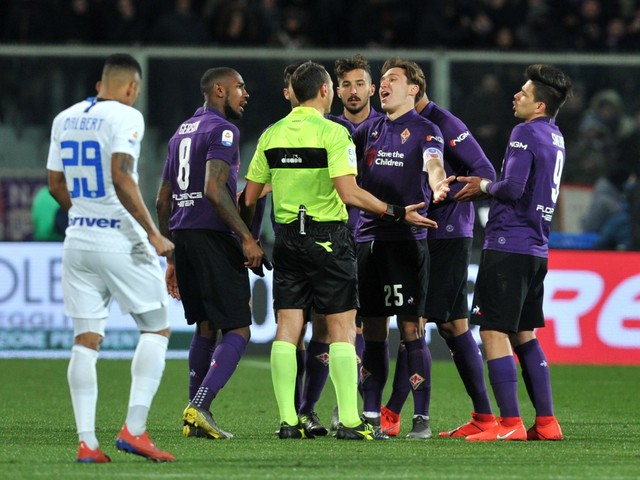 Fiorentina e Inter si annullano nel festival del Var