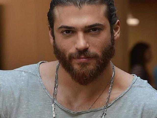 L'attore turco Can Yaman potrebbe essere protagonista di una nuova serie tv italiana