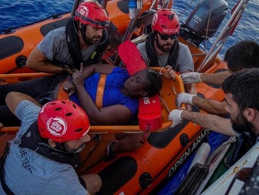 L'Nba Marc Gasol sulla nave della Ong che salva i migranti