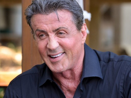"""Sylvester Stallone, dopo le notizie sulla sua morte, scherza: """"E' bello tornare tra i vivi"""""""