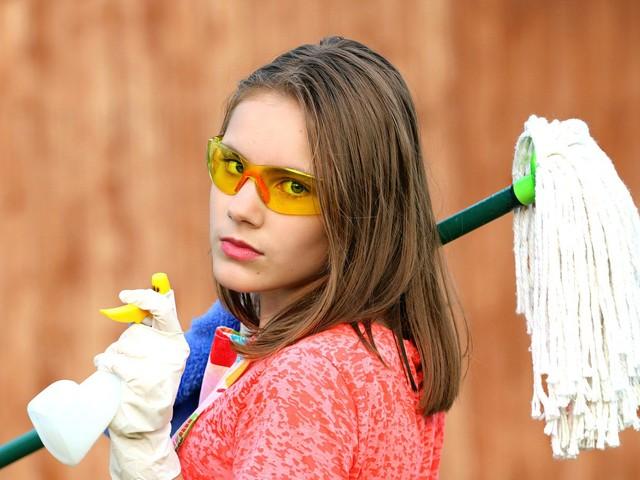 Concorso ATA stop appalti pulizia, Gallo (M5S): al lavoro con il Ministro